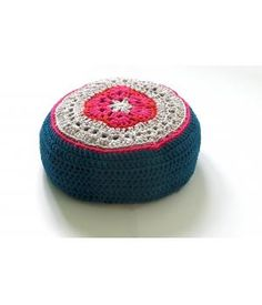 The meditation pouf @metdehand by @spell it with PEAS