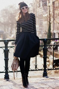 City Stripes (I love this outfit but without the hat and shades) Estilo Fashion, Look Fashion, Fashion Outfits, Womens Fashion, Perfecto Rose, Mode Style, Style Me, Style Personnel, Outfit Invierno