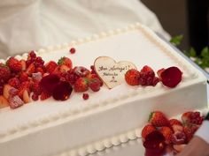 Cupcakes, Cupcake Cakes, Strawberry Sweets, Macaroon Cake, Buttercream Fondant, Pastry Design, Traditional Wedding Cakes, Beautiful Desserts, Cream Cake