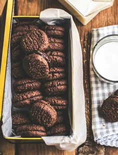 Make your own Romany Creams! This is a homemade recipe for a classic South African chocolate coconut cookie, sandwiched together with a chocolate filling Eggless Recipes, Baking Recipes, Cookie Recipes, Dessert Recipes, Desserts, Biscuit Cookies, Biscuit Recipe, Yummy Cookies, Cake Cookies