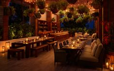 Inside the Edition hotel in South Beach, the iconic Matador Room has been reinvented with Caribbean, Spanish and South American cuisines. Miami Beach Hotels, South Beach Miami, Miami Florida, Beach Resorts, Miami Bar, South Florida, Palm Beach, Terrace Restaurant, Restaurant Design