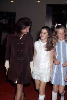 """ripple-of-hope: """" Jackie and Caroline Kennedy attend a ballet at the Metropolitan Opera House, NYC """""""