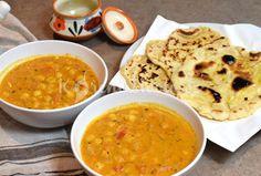 Indické cizrnové kari s voňavým kořením a kosovým mlékem Cheeseburger Chowder, Food Art, Vegetarian Recipes, Curry, Good Food, Food And Drink, Veggies, Soup, Cooking