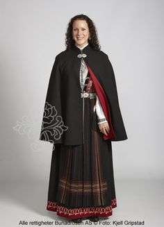 Sognebunad til dame - BunadRosen AS Folklore, Traditional Outfits, Norway, Cape, Boards, Couples, Girls, Dresses, Women