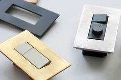 主張する無垢の金属板 メタルスイッチプレート