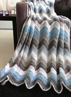 Blue grey sparkle winter afghan crochet por WinkelvanCinkel