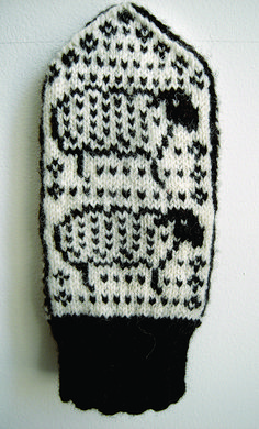 Ravelry: Meta Mittens pattern by Elizabeth Wolden Mittens Pattern, Knit Mittens, Knitted Gloves, Knitting Socks, Hand Knitting, Fingerless Mittens, Loom Knitting, Knitting Charts, Knitting Patterns