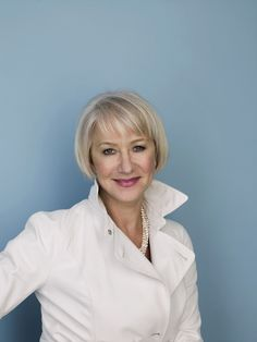 "Helen Mirren Photo: Photoshoot for ""National Treasure: Book of Secrets"" - Frauen Haar Modelle Bob Hairstyles For Thick, Hairstyles With Bangs, Office Hairstyles, Anime Hairstyles, Stylish Hairstyles, Hairstyles Videos, Hairstyle Short, School Hairstyles, Hair Updo"