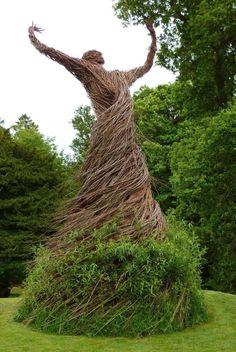 magnificent thatch sculpture, Shambellie House, Scotland ->