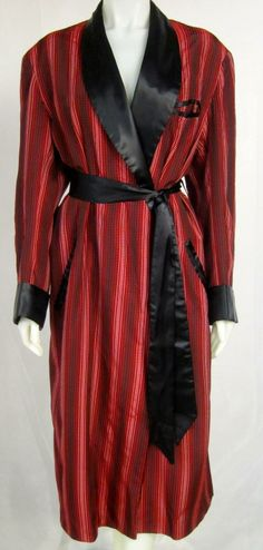 $365 - 1940s 50s Gentleman's Desi Arnez Red & Black Smoking  Jacket Robe image 6