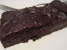 Avocado Brownie: 4 oz Unsweetened Chocolate, melted in 1 T Coconut Oil; 3 Small Avocados (or 2 Large); C Honey; C Unsweetened Cocoa Powder; 1 T Vanilla; 1 T Coconut Flour; 1 t Baking Soda; t Salt Paleo Dessert, Healthy Sweets, Dessert Recipes, Dessert Ideas, Healthy Food, Healthy Eating, Paleo Brownies, Avocado Brownies, Chocolate Brownies
