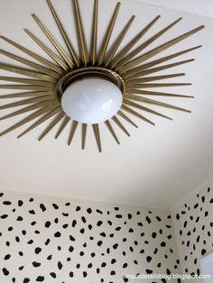 16 Borderline Genius Home Improvement Projects That Are Easier Than They Look 16 Borderline Genius-Heimwerkerprojekte, die einfacher sind als sie aussehen Gold Diy, Home Improvement Projects, Home Projects, Design Projects, Design Crafts, Diy Luz, Diy Lampe, Art Deco Lighting, Lighting Ideas