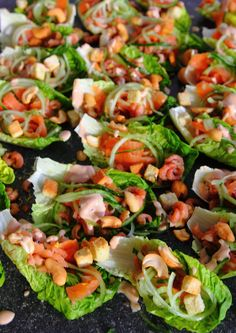 Slabakjes met garnalen1 Pasta Salad, Cobb Salad, Birthday Lunch, Kung Pao Chicken, Starters, Nom Nom, Appetizers, Food And Drink, Snacks