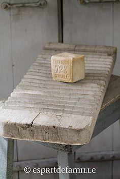 © Esprit de Famille I brocante en ligne I déco vintage industrielle  www.espritdefamille.co  Ancienne planche de lavandière €54.00, brocante, objets déco brocante, déco vintage industrielle, Europe shipping