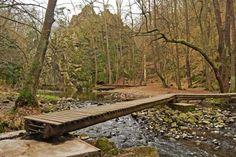 Czech Republic, Garden Bridge, Outdoor Structures, Park, Outdoor Decor, Travel, Viajes, Parks, Trips