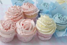 Passion 4 baking » Min beste grunnoppskrift på vaniljecupcakes, + Angel Feather Icing