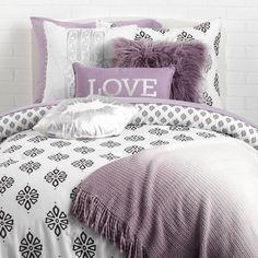 Purple Dorm Rooms, Purple Bedrooms, Cool Dorm Rooms, Teen Girl Rooms, Girls Bedroom, Bedroom Decor, Bedroom Ideas, Lavender Room, Lavender Bedding