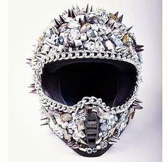 Idk what kinda helmet it is but I want it