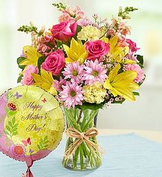 This Mother's Day offer mom a sweet surprise with this Bouquet and Balloon for Mom duet. #mothersdayflowers