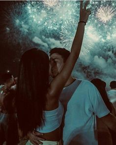 romantic couples in morning Cute Couples Photos, Cute Couple Pictures, Cute Couples Goals, Romantic Couples, Cute Photos, Couple Shoot, Teen Couple Pictures, Beach Pictures, Teen Love Couples