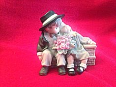Enesco Kim Anderson's Pretty As A Picture Porcelain Figurine #535567 (Image1)
