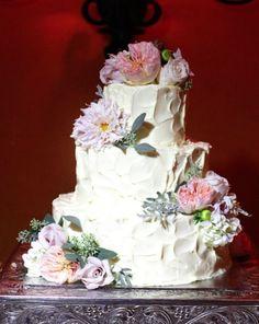 Wedding cake idea;  Featured Photographer: Lane Dittoe  www.foreverly.de