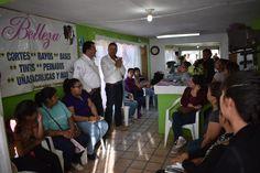 El alcalde Noel Dolores Loya Lozano, realizó una visita con la instructora de ICATECH del área de corte y peinado, Carmen Matancillas y 20 alumnas...