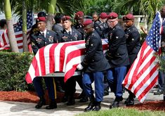 Image: An honor guard carries the coffin of U. Army Sergeant La David Johnson, who was among four special forces soldiers killed in Niger, at a graveside service in Hollywood Us Military, Us Army, Tim Kaine, Army Sergeant, Honor Guard, Green Beret, Before Us, Special Forces, Pentagon
