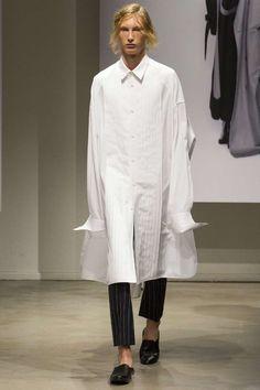 Juun.j Spring-Summer 2018   Paris Fashion Week