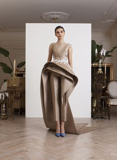 High Quality Fashion Long Prom Gowns 2019 New Bateau Neck Formal Evening Gowns With Peplums Sleeveless Party Dress Custom Made Long Prom Gowns, Prom Party Dresses, Formal Gowns, Dress Long, Prom Dress, Formal Wear, Wedding Dresses, Couture Mode, Couture Fashion
