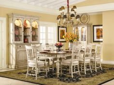 Beautiful Dining Room Tables: Classic Dining Room Table Design With Centerpiece