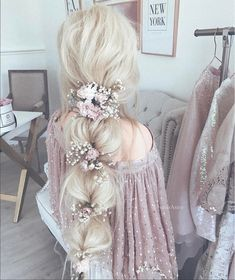 30 Enchanting Bridal Hair Accessories To Inspire Your Hairstyle - Frisuren - braut haarschmuck Wedding Hairstyles For Long Hair, Pretty Hairstyles, Braided Hairstyles, Updos Hairstyle, Hair Wedding, Hairstyle Wedding, Prom Hairstyles, Fantasy Hairstyles, Simple Hairstyles
