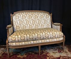 In solid, carved beechwood. Vigorously carved with neoclassical elements, the whole resting upon six spiral-turned, tapered, fluted legs. Sofa Furniture, Antique Furniture, French Interiors, Neoclassical, Louis Xvi, Settee, Canapes, Armchairs, Love Seat