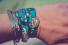bias tape bracelet tutorial :: peek-a-boo pages