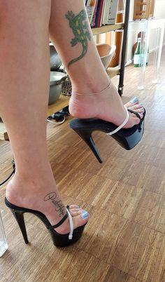 shoes heels classy is part of Heels classy - Sexy Legs And Heels, Platform High Heels, Black High Heels, Pumps Heels, Stiletto Heels, Stilettos, Pernas Sexy, Talons Sexy, Beautiful High Heels