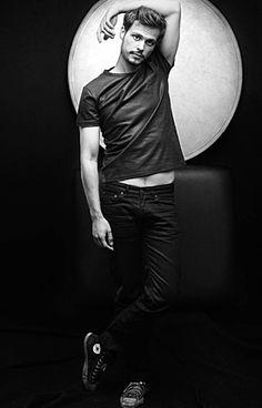 Matthew Gray Gubler oh my god!