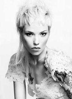 Frisyrbilder - Kvinnor mellan långt hår Hairworld.se Sveriges