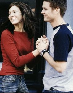 Mandy Moore and Shane West--- I don't know y but I luvvv this pic of them!!:)