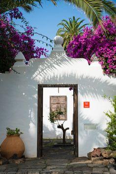 Tenerife, Canary Islands Fuerteventura, Costa Teguise, Island Design, Entrance Gates, Island Beach, Holiday Destinations, Travel Inspiration, Exterior