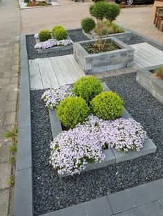 Creating your front yard or garden. The appearance of a garden is important, seeing as it is the impression others have of your residence. Provide your residence a front-yard renovation with a landsca Landscaping Supplies, Front Yard Landscaping, Backyard Landscaping, Landscaping Software, Landscape Plans, Landscape Design, Garden Design, Backyard Ideas For Small Yards, Front Yard Design