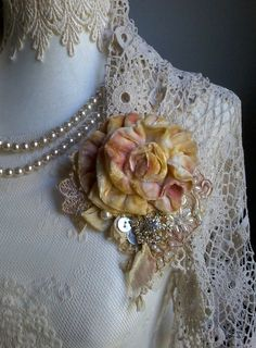victorian,shabby chic, brooch,corsage,hair accessory,velvet,flowers,silk,wedding,vintage,romantic pin,hand made