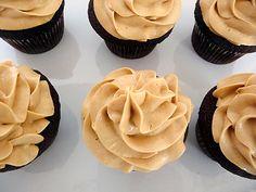 chocolate-pb-cupcakes-2-525