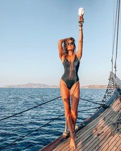 Swimsuits, Swimwear, One Piece, Instagram, Fashion, Bathing Suits, Moda, Fashion Styles, Fashion Illustrations