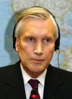 Ben Bot in 2007