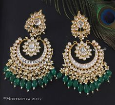 Most Dazzling Chand baali Earring Designs you Can't Miss Saving! Chand Bali Earrings Gold, Indian Jewelry Earrings, Indian Jewelry Sets, Jewelry Design Earrings, Indian Jewellery Design, Cute Jewelry, Designer Earrings, Bridal Jewelry, Gold Jewelry