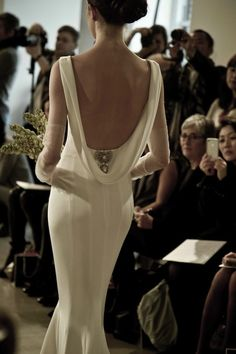 #backless Oscar de la Renta #wedding #gown! For more inspiration visit our website! prestonbailey.com