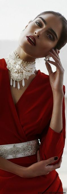 Lady in red Red Fashion, Womens Fashion, Glamour, Shades Of Red, Lady In Red, Red And White, Red Black, Stylish, Pretty