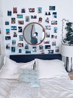 cute dorm room decor ideas on this page that we just love 34 Room Ideas Bedroom, Teen Room Decor, Bedroom Inspo, Bedroom Picture Walls, Bedroom Wall Ideas For Teens, Surf Bedroom, Tumblr Room Decor, Diy Projects For Bedroom, Bohemian Bedroom Decor