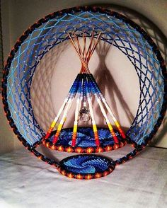 Native American clothes and accessories. Dream Catcher Patterns, Dream Catcher Art, Native American Patterns, Native American Crafts, Native Beadwork, Native American Beadwork, Native Style, Native Art, Mandala Indio