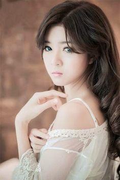 Asian babe helen su